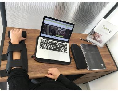 Support de bras sur mesure pour un handicap au travail